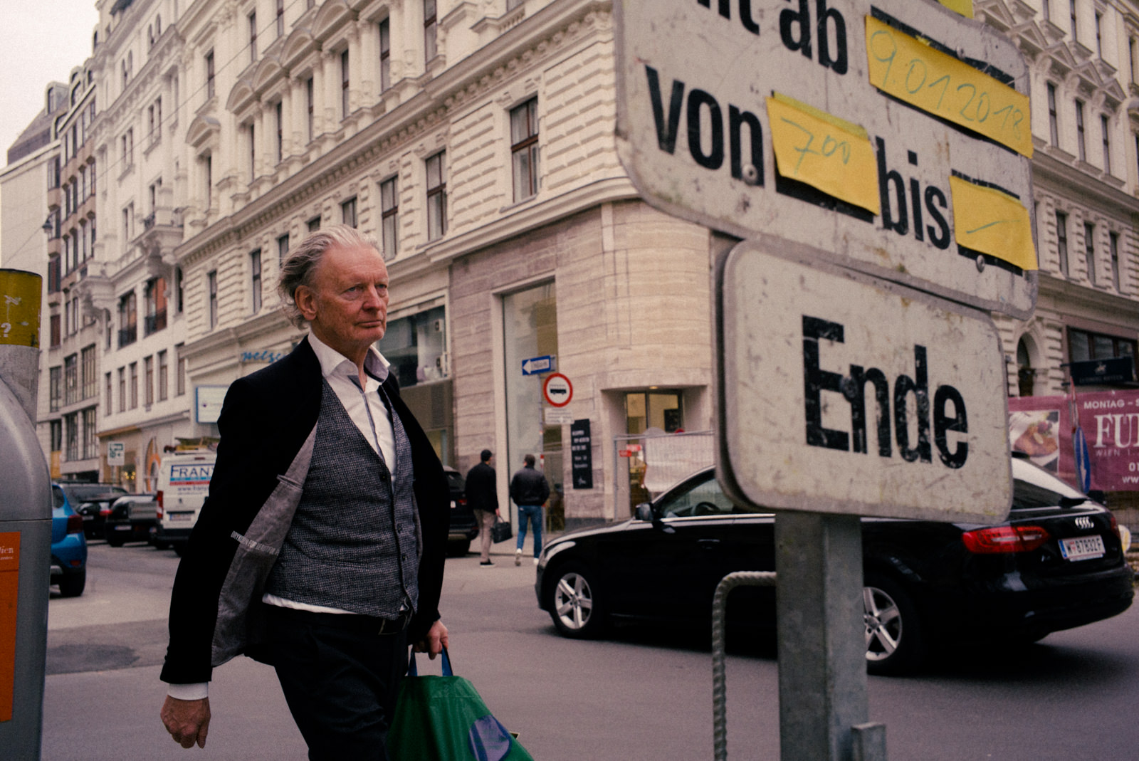 André Duhme Walking in Vienna